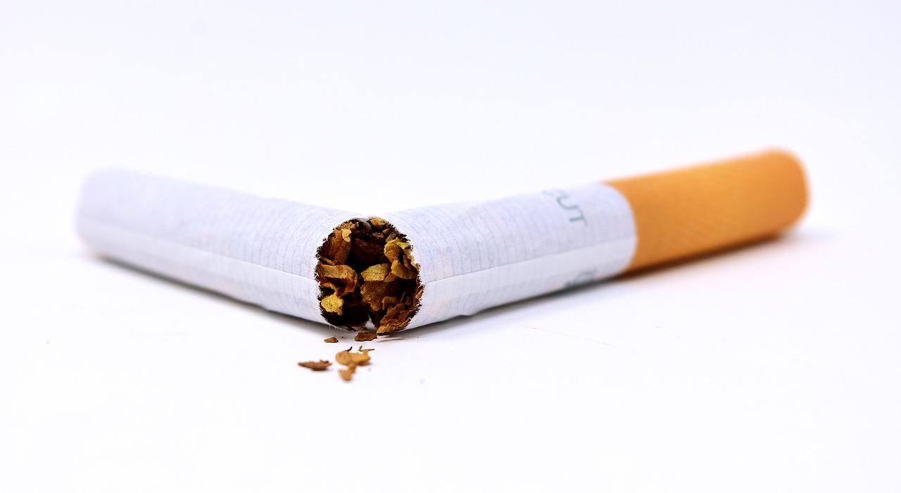 dohányzás ellenőrzése gyermekeknél)